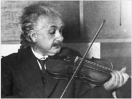 Einstein_with_violin_resized.jpg